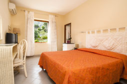 Camere Capelvenere Hotel Cernia